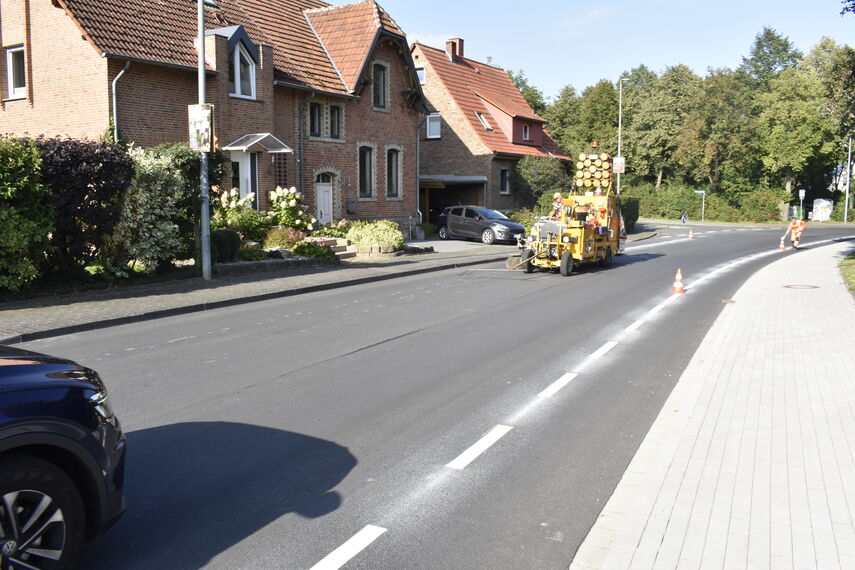 Bild_Schutzstreifen_Radfahrer_Warburg